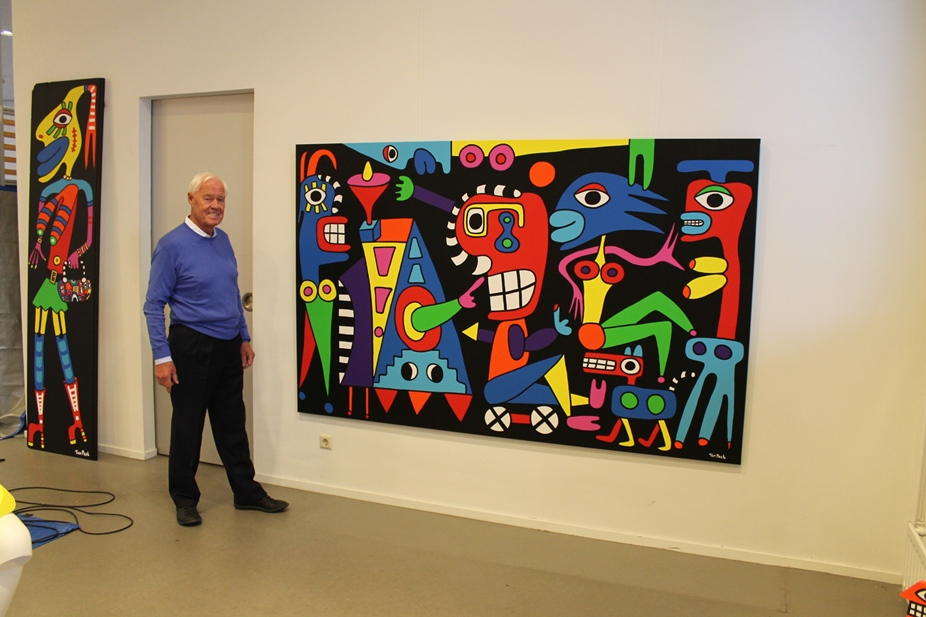 Gerard Meulensteen founder of the Danubiana museum with the new acquisition, Follow your dream by Ton Pret 250cm x 150cm